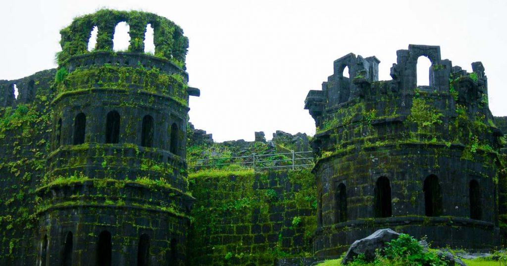 Monsoon Trek to Raigad Fort