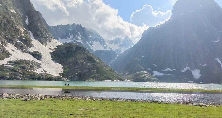 adventure_pulse_kashmir_great_lakes_krishnasar_lake
