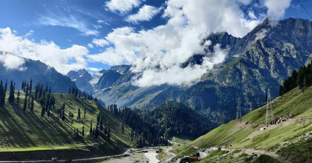 Adventure-pulse_passes-kashmir-great-lakes-day 1